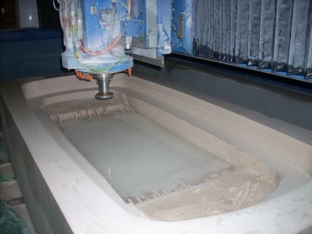 Fabrication d 39 une baignoire massive marbrerie proven ale for Fabricant baignoire