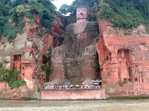 Grand Bouddha de Lestian datant de la dynastie Tang